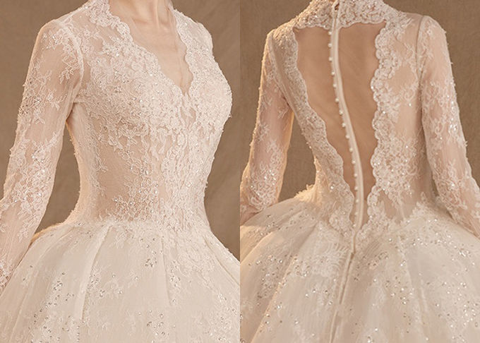 Lace White Backless Evening Gown , Western Wedding Dresses Beading Pleats